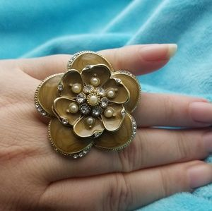 Gorgeous floral statement ring